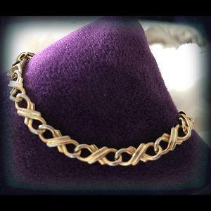 Jewelry - Gold Tone XO Bracelet. Size 7.25